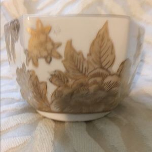 Gold accents Vintage Chinois China Bowl